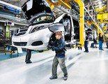 Mercedes reorganiza su producción