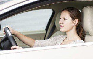 Seguros de coche, sube el precio para las mujeres