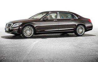 Maybach Mercedes S600. ¿Dónde quiere ir el señor?