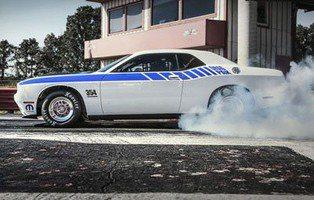 Dodge Challenger Drag Pak. Del concesionario a las carreras
