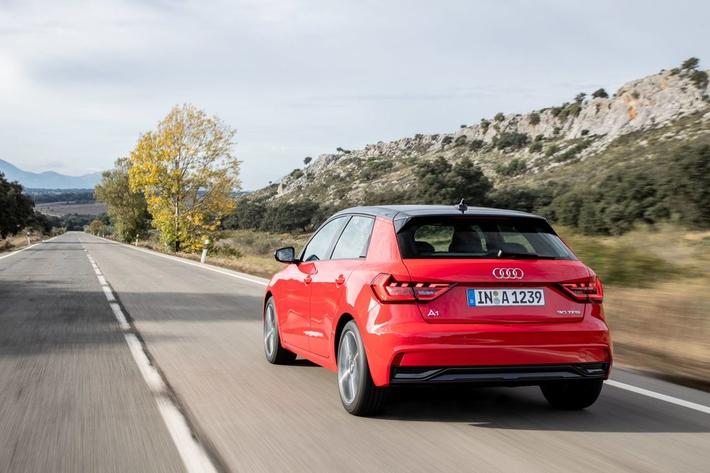 Por ahora sólo se ofrece el 30 TFSI, que recurre a un motor de un litro sobrealimentado con 116 CV de potencia. Esta versión puede acelerar de 0 a 100 km/h en 9,4 segundos y alcanzar los 203 km/h de velocidad punta.