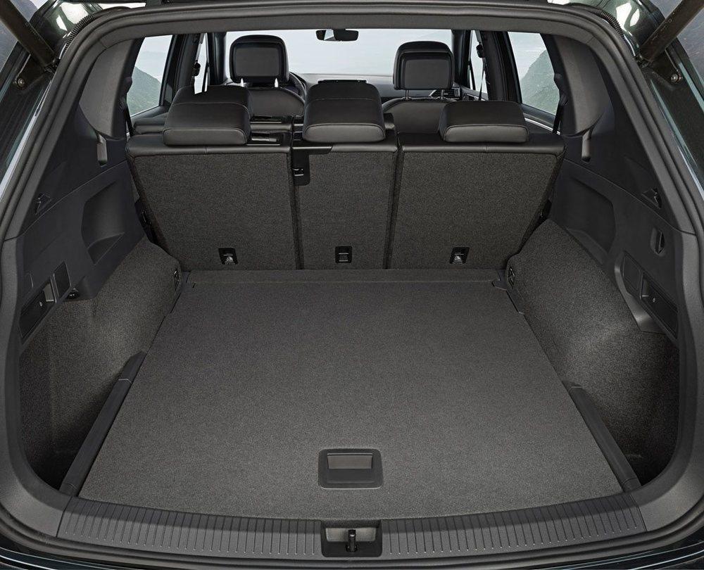El maletero parte de 760 litros en la versión de cinco asientos y de 700 en el Tarraco de siete plazas cuando las dos últimas no están en uso.