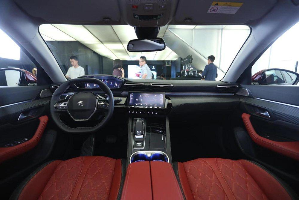 Peugeot 508L. Nueva versión exclusiva para China