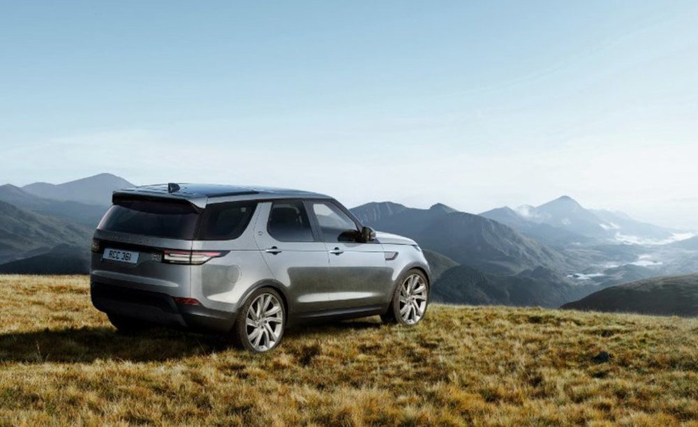 Para celebrar el 30 aniversario del Land Rover Discovery, la casa británica crea esta edición especial con más equipamiento de serie, pero para el que no han ideado ni una placa específica para honrar sus servicios durante este tiempo.