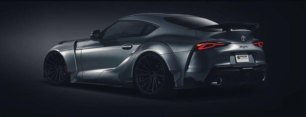 El especialista Prior Design ofrecerá un completo kit aerodinámico para el deportivo Toyota GR Supra, que ofrecerá en fibra de vidrio o en fibra de carbono. Sorprende el ensanchamiento de su carrocería o el imponente alerón posterior.