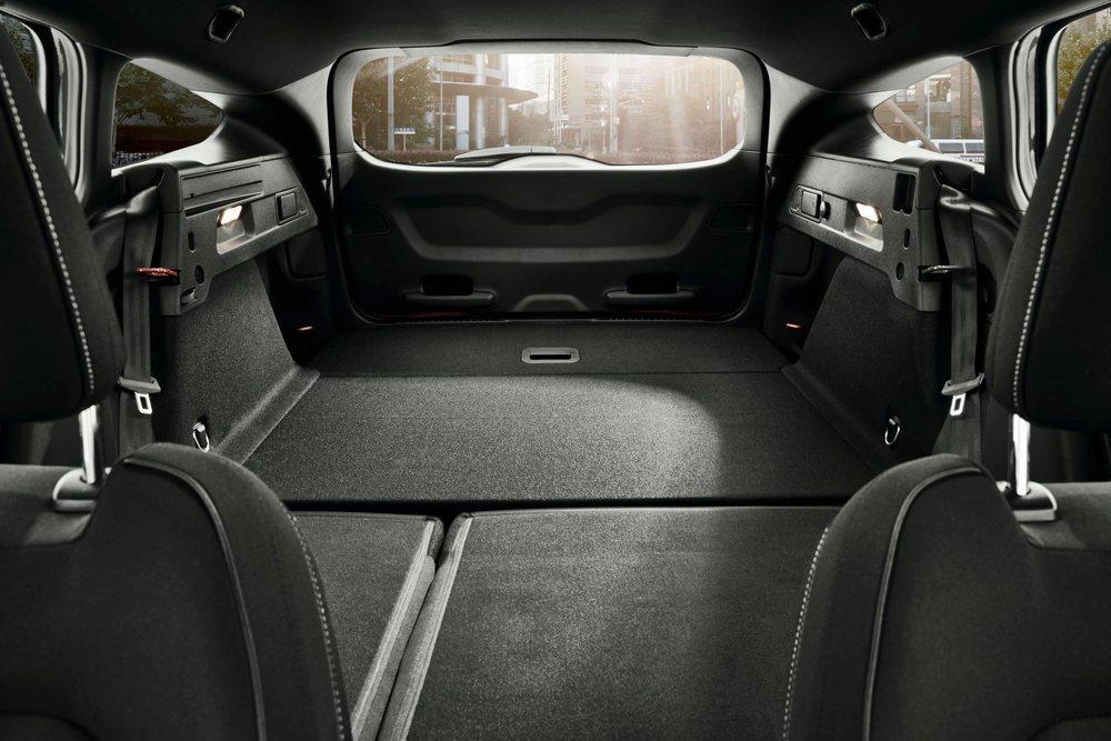 Los deportivos Ford Focus ST Sportbreak ofrecerán una gran capacidad de carga, pues su maletero cubica 233 litros más que las versiones de cinco puertas.