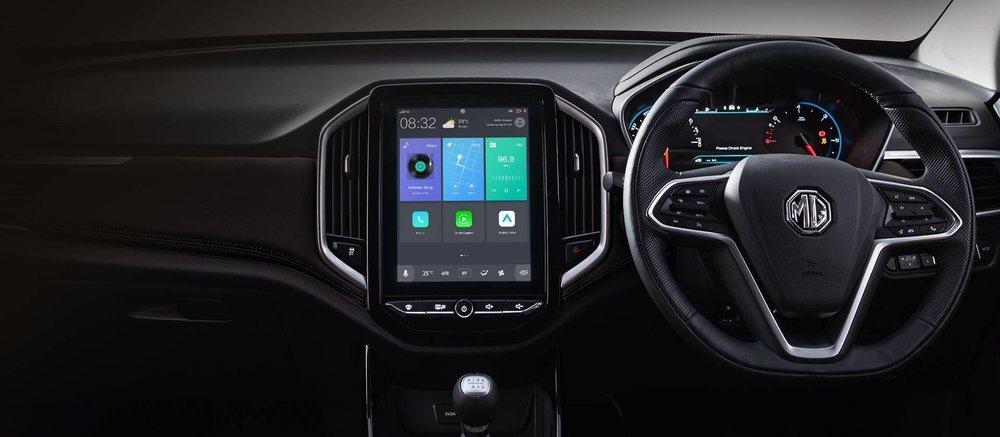 Su presentación interior es realmente llamativa y destaca su pantalla central de 10,4 pulgadas, la cual estará conectada a Internet y presumirá de la tecnología I-Smart. El gasolina añade tecnología Mild-Hybrid.