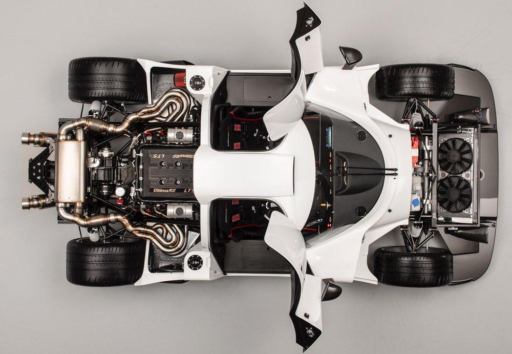 El Ultima RS estrena un chasis tubular inspirado en la competición y adaptado para colocar en posición central los motores LT V8 usados por el Corvette. Su versión más salvaje es capaz de generar 1.200 CV de potencia.