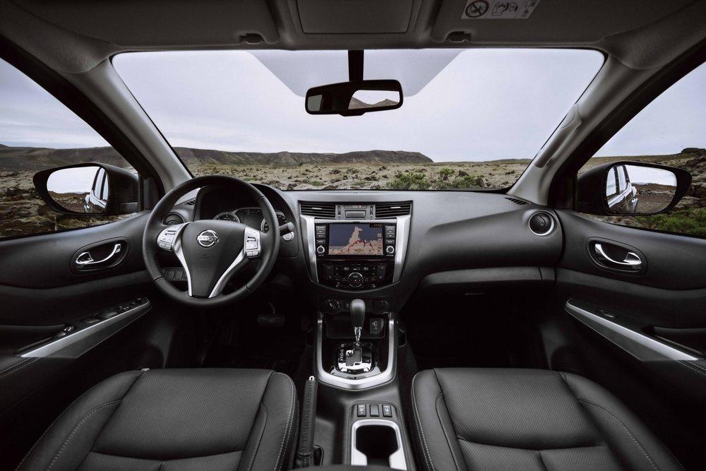Los Nissan Navara pueden equipar ahora esta pantalla táctil de 8 pulgadas. Cinco son los niveles de equipamiento disponibles y el motor más potente puede tener cambio automático de 7 velocidades.