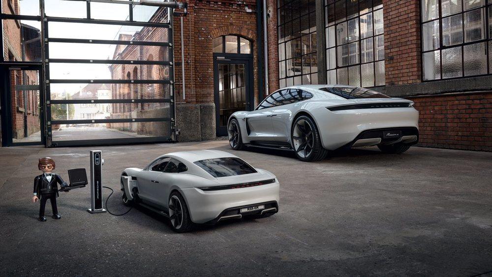 El futuro Porsche Taycan ya tiene su réplica de Playmobil.