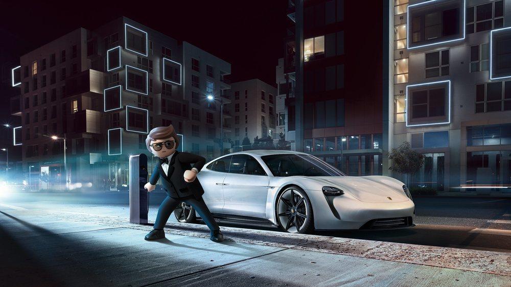 El agente secreto Rex Dasher conduce en la cinta un Porsche preparado para misiones arriesgadas.