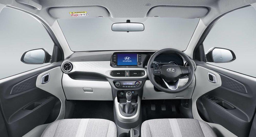 El interior de este nuevo Grand i10 Nios es muy ordenado y su salpicadero luce una gran pantalla táctil. Sorprenderá su gran espacio interior y su capacidad de personalización.
