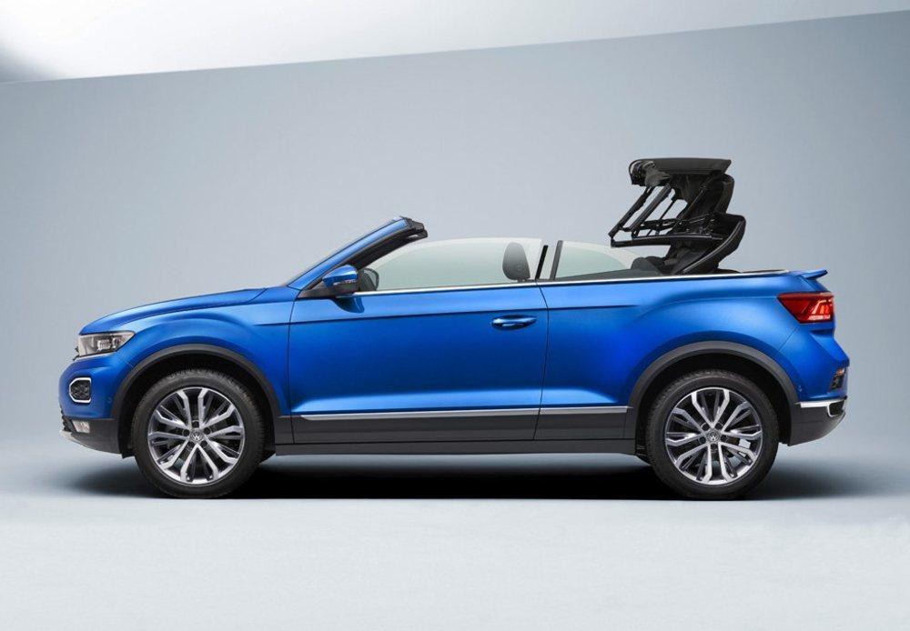 Su capota de lona es de accionamiento eléctrico, y se puede poner o quitar en apenas nueve segundos y hasta los 30 km/h. También se puede hacer desde la propia llave de este T-Roc Cabrio.