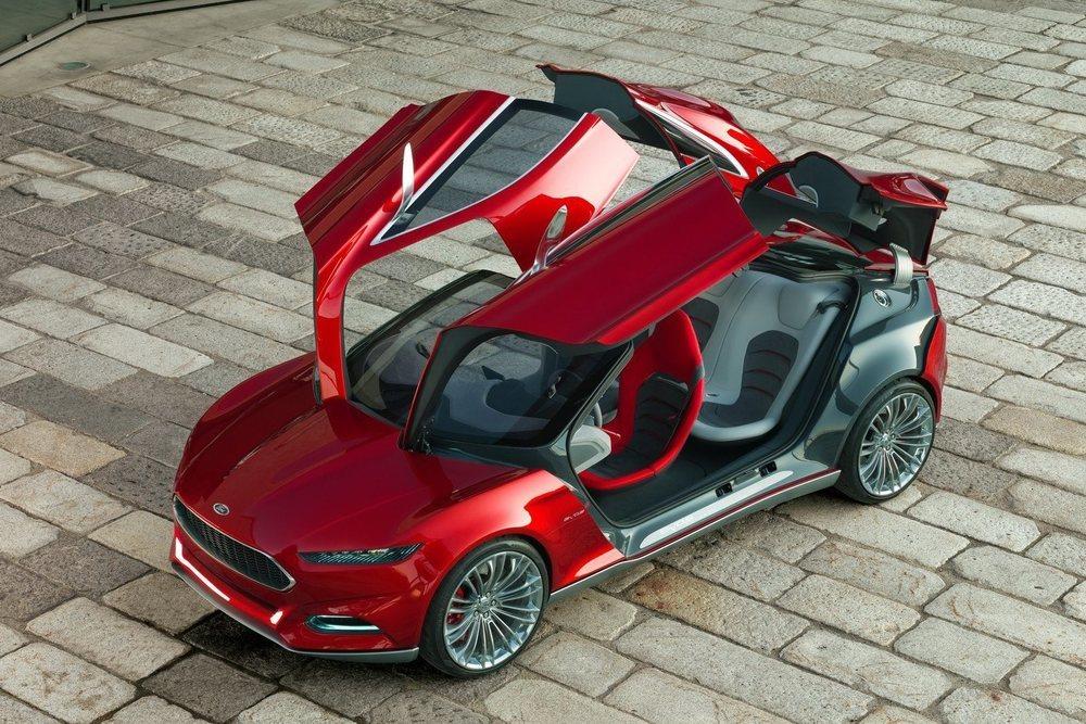 Este atrevido prototipo que ya tiene ocho años utilizaba el nombre de Evos y adelantaba las líneas de diseño de los actuales Ford.