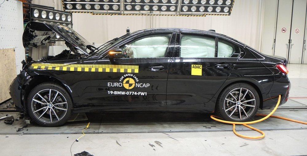 El BMW Serie 3 logra 5 estrellas, con un 91% de eficacia en la protección a ocupantes.