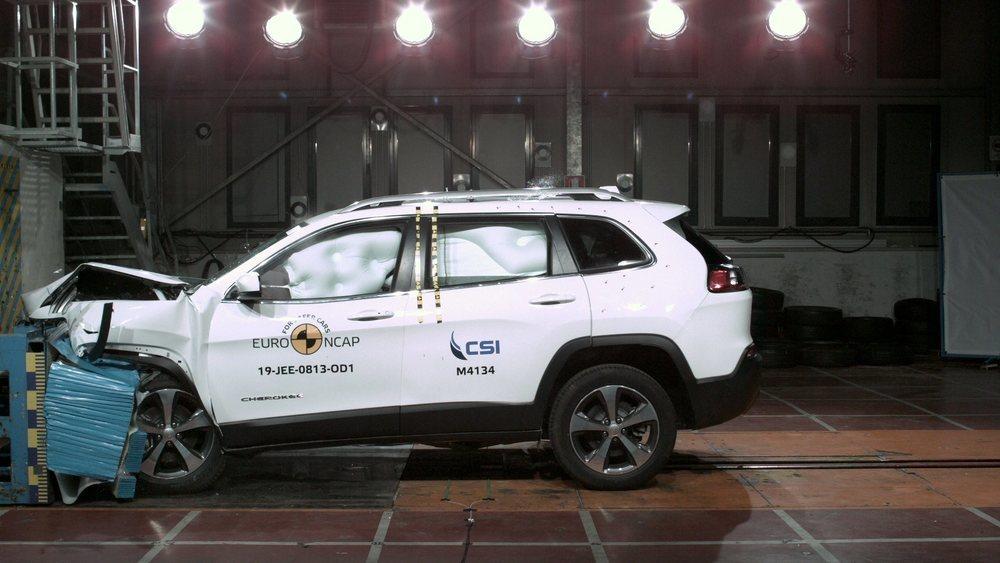 El Jeep Cherokee obtiene 4 estrellas y logra un 80% en la protección a ocupantes.
