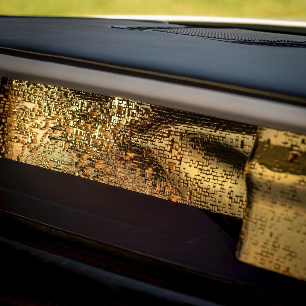 Bespoke ha creado usando la impresión 3D la pieza de acero inoxidable más grande en el mundo de la automoción. Y se adorna con 50 gramos de oro de 24 quilates.