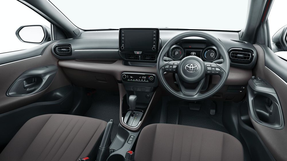 El nuevo Toyota Yaris ya está disponible en Japón y se sustenta sobre la plataforma TNGA. Llega con tres opciones mecánicas, donde llama la atención la versión híbrida, que tiene opción E-Four.