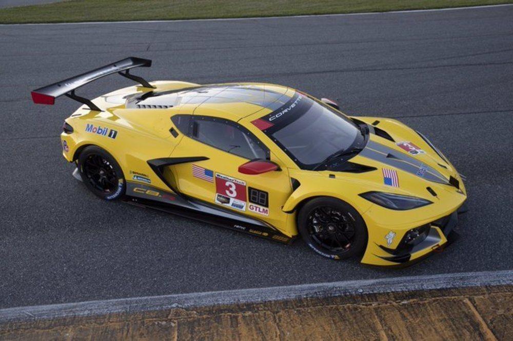 Como en la pasada temporada, el bólido pilotado por Antonio García y Jordan Taylor lucirá una poco discreta decoración amarilla. Debuta a finales de enero en Daytona.