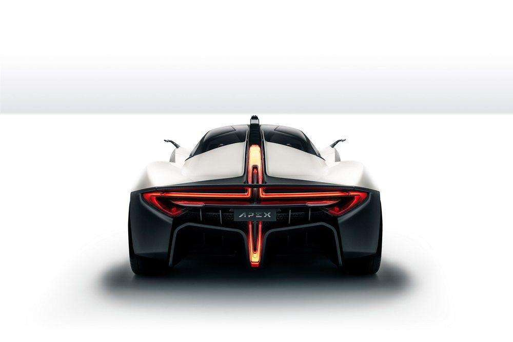 En esta criatura sorprenden las formas de sus pilotos posteriores con tecnología LED. Toda su carrocería se fabrica en carbono, de forma que este deportivo, que será real en 2022, se queda en 1.200 kilos de peso.