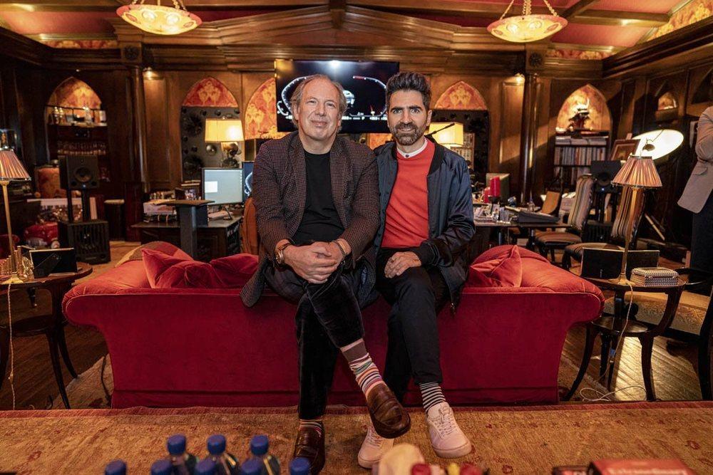 Hans Zimmer y el Renzo Vitale, diseñador de sonido de BMW, en el estudio de Zimmer, en Los Ángeles