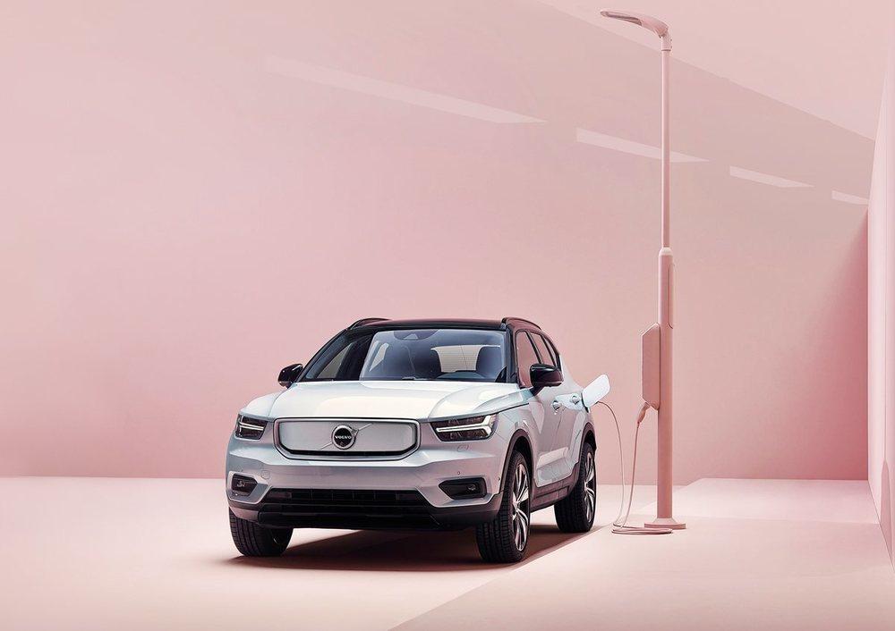Más de 400 km, será la autonomía del XC40 eléctrico, las baterías, de 78 kWh, van situadas bajo el suelo del coche