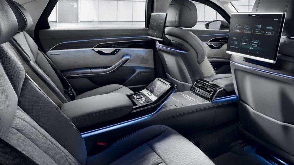 Como no podía ser de otra manera, hasta el último centímetro de su interior puede personalizarse al gusto del cliente. Pero lo más importante en este Audi A8 L Security es precisamente lo que no se ve.