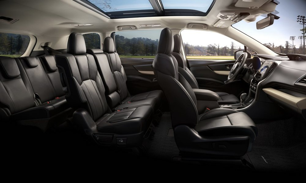 Desde el acabado Limited, el Ascent ofrece la posibilidad de elegir una segunda fila de asientos formada por la clásica banqueta o por dos confortables butacas individuales. También hay cuero y asientos con calefacción, incluso detrás.