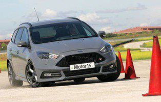Ford Focus ST 2.0 TDCI Sportbreak. ¿A quién llamas familiar?
