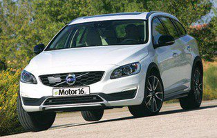 Volvo V60 Cross Country D4 AWD Summum. Todocamino total
