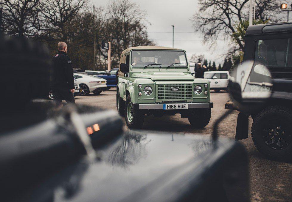 Este es el último Land Rover Defender que ha salido de la factoría de Solihull