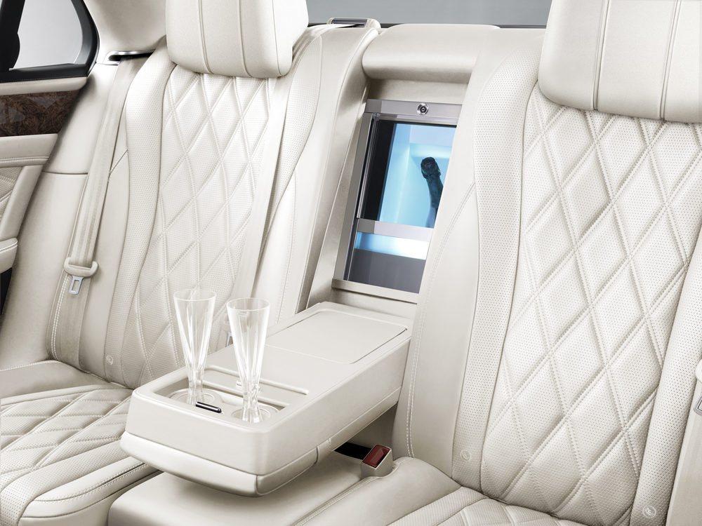 Las exclusivas copas de champán han sido diseñadas por David Redman para Bentley