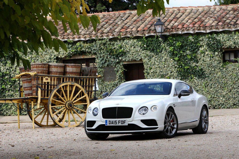 El aspecto del Bentley Continental GT es imponente, elegante y poderoso a la vez.