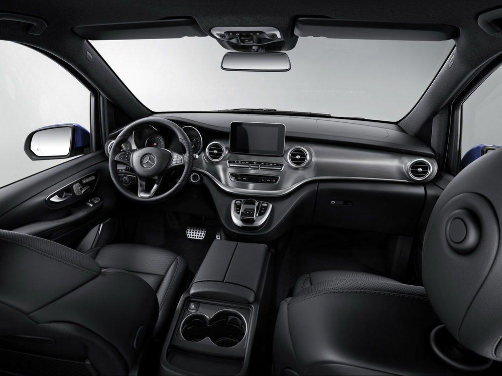 Los Mercedes Clase V Exclusive cuentan con tapicería de cuero, pero también con sistema denavegación, aparcamiento asistido o el sistema de sonido Burmester