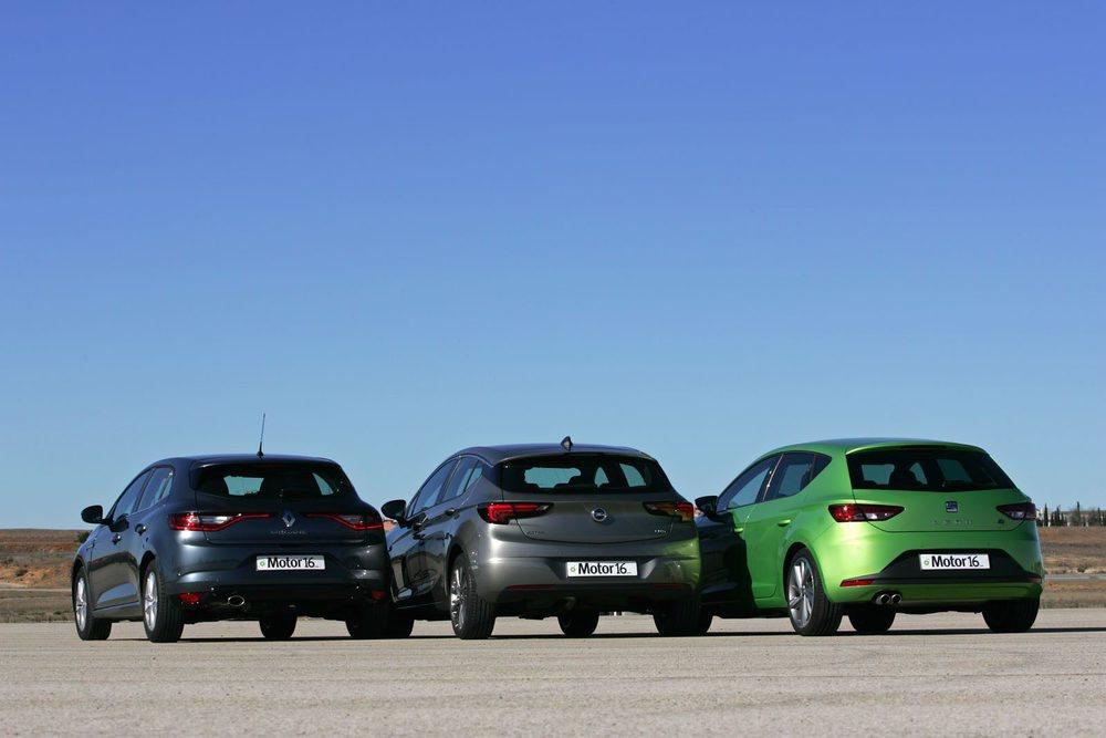 Los nuevos Opel Astra y Renault Mégane se enfrentan con el líder del segmento, el Seat León. Una comparativa en la que saltan chispas.