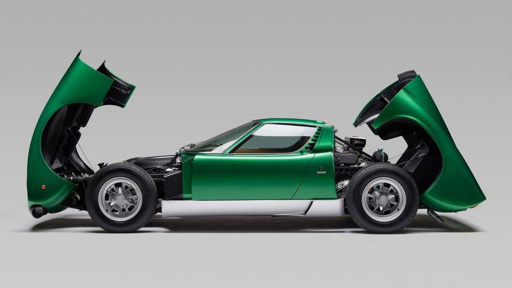Este es el primer Lamborghini Miura SV, un modelo de pre-producción que fue presentado en el Salón de Ginebra de 1971. Ahora PoloStorico lo ha restaurado por completo