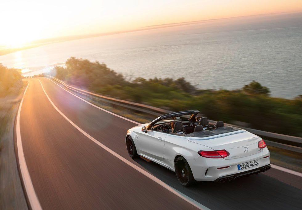 Ambas versiones apuestan por el motor 4.0 V8 Biturbo, el cual puede generar 476 ó 510 CV de potencia. Todos tienen cambio AMG Speedshift MCT de 7 velocidades, autoblocante trasero, suspensión AMG Ride Control... En fin, todo lo necesario para disfrutar al máximo
