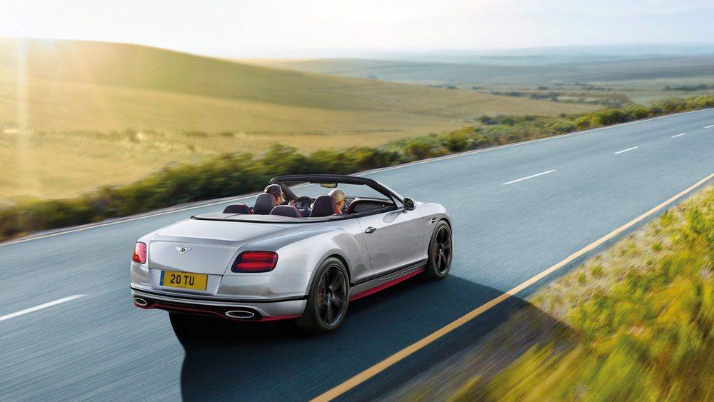 Bentley actualiza ligeramente el motor 6.0 W12 Biturbo, un corazón que gana sólo 7 CV pero escala hasta los 642 CV de potencia. El par máximo pasa de 820 a 840 Nm y están disponibles entre 2.000 y 5.000 rpm. El Continental GT Speed ahora acelera de 0 a 100 km/h en 4,1 segundos.