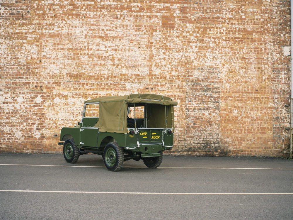 La nueva iniciativa Reborn de Land Rover va a devolver a la vida 25 legendarios Land Rover Serie I, que serán restaurados en el nuevo taller Classic en Solihull de acuerdo a las especificaciones que tenían en el año 1948, cuando fueron fabricados.