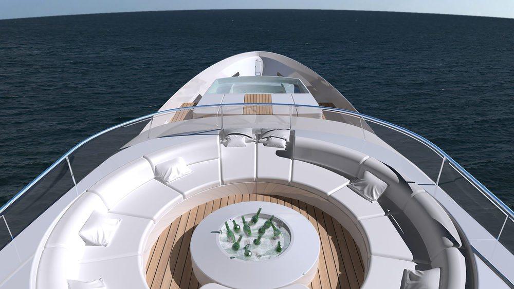 La suite principal además de vestidor y chimenea cuenta con un jacuzzi, pero no es el único en este exclusivo yate que en su exterior cuenta con una zona de spa con vistas al mar. Gracias a los 62.000 litros de su depósito, presenta una autonomía de 7.400 kilómetros.