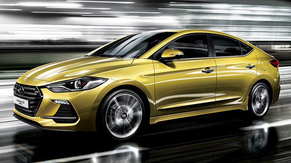 A diferencia del resto de los Hyundai Elantra, estas versiones Sport cuentan con una suspensión trasera mulibrazo para ganar dinamismo. También se ayuda de una puesta a punto específica para la dirección, frenos más potentes, muelles más firmes...