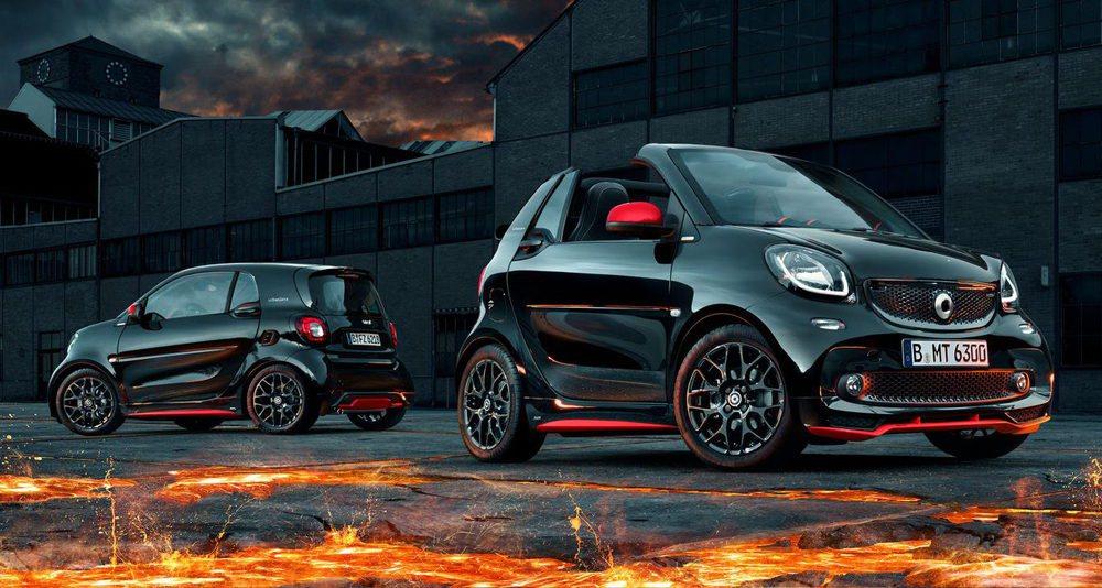 Estos Smart ForTwo Urbanlava son exclusivos para el mercado alemán. Allí han llegado con carrocería Coupé y Cabrio, pero siempre asociados al motor 0.9 atmosférico de 71 CV de potencia. Brabus ha firmado los detalles deportivos de su exterior, que se pintan en rojo Júpiter.