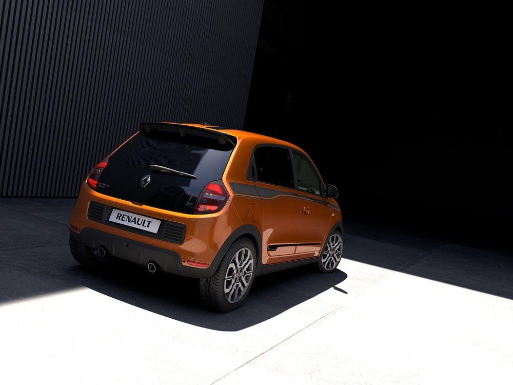 Será presentado en Goodwood y se ofrecerá con cuatro colores exteriores. Este naranja Piment es exclusivo para estos Twingo GT, que apuestan por un motor TCe con 110 CV, que moverá con gran soltura sus poco más de 1.000 kilos. Ha sido puesto a punto por Renault Sport.
