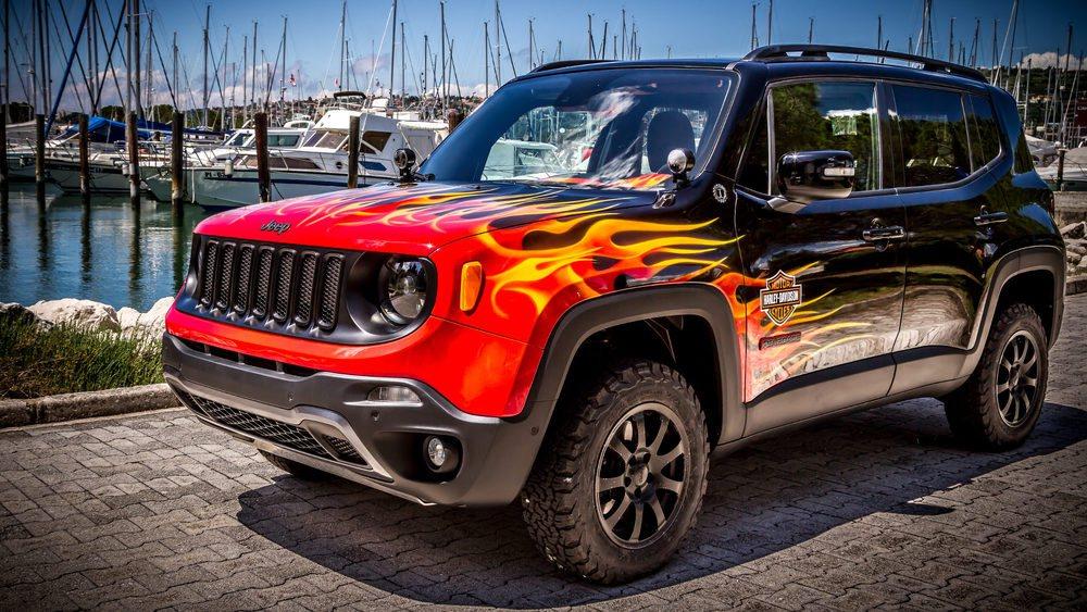 Este Jeep Renegade es una criatura única. Ha sido desarrollado entre Jeep, Harley-Davidson y Garage Italia Customs para conmemorar el 25 aniversario de la asociación Harley Owners Group en Europa.