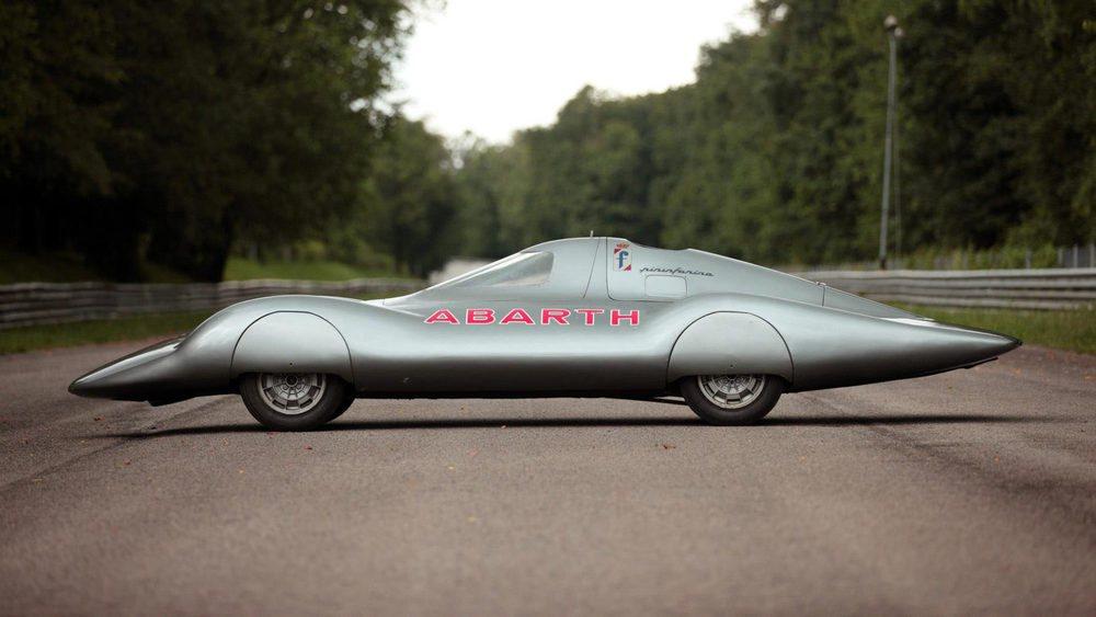 Carlo Abarth junto a Pininfarina crearon este singular Abarth 1000 Bialbero, una obra única que fue fabricado para pulverizar diferentes récord de velocidad. Presenta una carrocería con un Cx de sólo 0,20 y será subastado en Pebble Beach.