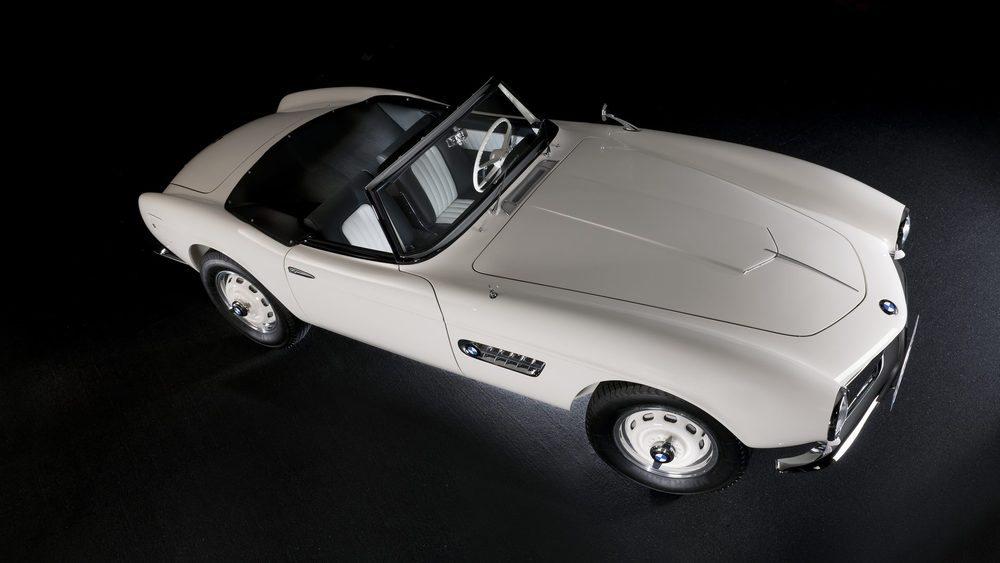 BMW tan sólo fabricó 254 ejemplares de BMW 507, uno de los modelos más icónicos de la firma alemana. Esta unidad se fabricó en 1957 y era la que se expuso en el Salón de Frankfurt de ese año. Fue vendida a Elvis Presley, que en 1960 se la llevó a Estados Unidos.