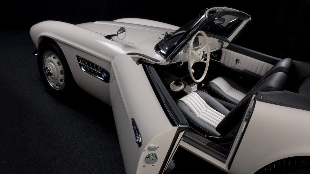Muchas de las piezas del exterior e interior se han fabricado utilizando la impresión 3D. BMW Classic ha tardado dos años en devolverlo a su estado original, incluyendo el propulsor, ya que llegó a Múnich sin él, pues su segundo propietario lo reemplazó por el de un Chevrolet.