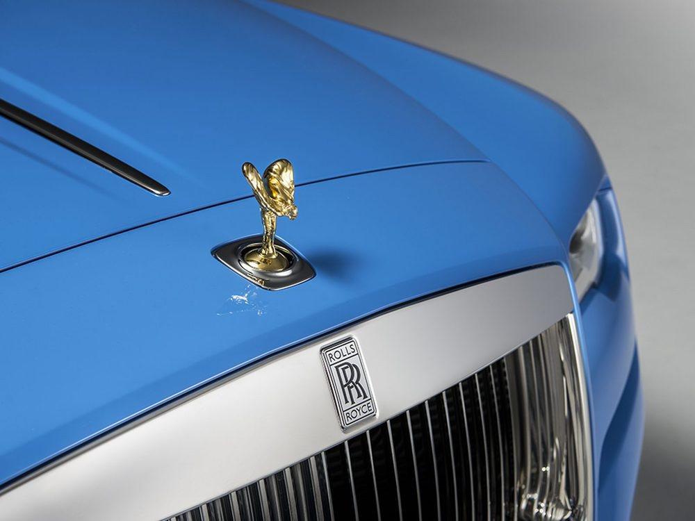 Este Rolls Royce Dawn es una creación única del departamento Bespoke de la firma británica. Un detalle especial, además de su color exterior o su tapizado en cuero Mandarin es su