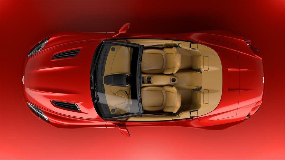 De esta exclusiva criatura ideada entre Aston Martin y Zagato también se fabricará una versión Volante. En concreto serán 99 ejemplares que tendrán un precio superior a los 650.000 euros (sin impuestos) que cuesta el Aston Martin Vanquish Zagato Coupé.