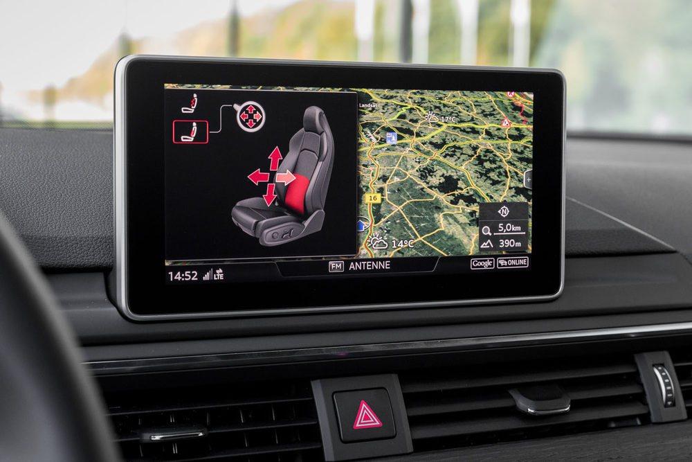 La pantalla central es un gran centro de control. Permite regular navegación, ajuste de asientos, climatización...